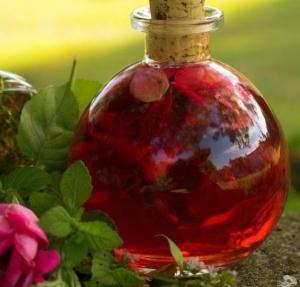 Rose-Petal-Vinegar